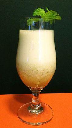 Drink de Abacaxi e vodka - opção refrescante e fácil de fazer.