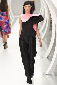 Roksanda Spring 2015 RTW – Runway – Vogue