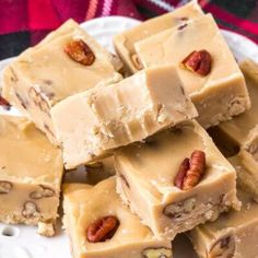 This butter pecan fudge is extra creamy with a deliciously sweet, buttery flavor. Toasted pecans give it a nutty flavor and add tons of texture. It only takes 20 minutes to make, and it makes a great gift too! Pecan Recipes, Fudge Recipes, Candy Recipes, Sweet Recipes, Dessert Recipes, Cookie Desserts, Pizza Recipes, Dessert Ideas, Bread Recipes
