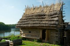 Historical Architecture, Architecture Design, Fantasy Village, Viking House, Medieval Houses, Cob Houses, Thatched Roof, Dark Ages, Beautiful Space