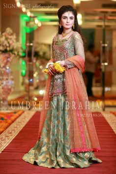 Four Tips For A Beautiful Beach Wedding Pakistani Bridal Dresses Online, Pakistani Mehndi Dress, Bridal Mehndi Dresses, Pakistani Formal Dresses, Pakistani Wedding Outfits, Pakistani Bridal Wear, Pakistani Dress Design, Bridal Outfits, Vestidos