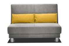 Schlafsofa Enzo - Medium (120cm) in Webstoff Amber in grau mit Kissen in senf. Entdecken Sie jetzt unseren Liebling in neuem Stoff mit frischen Farben!