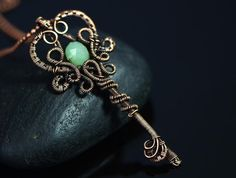 Wire wrapped key necklace jewelry green onyx faceted gemstone pendant 18th or 21st birthday Royal crown medieval treasure handmade jewelry
