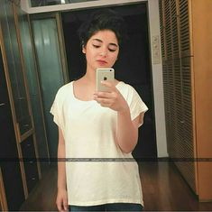 Doubletap if you love her. Zaira Wasim, Teen Actresses, Celebs, Celebrities, Beauty Queens, Indian Beauty, Insta Pic, Superstar, Cute Girls
