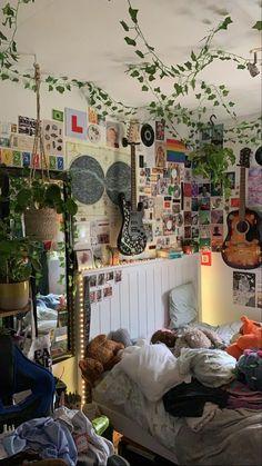 Room Design Bedroom, Room Ideas Bedroom, Bedroom Decor, Bedroom Inspo, Dream Rooms, Dream Bedroom, Chambre Indie, Indie Room Decor, Indie Bedroom