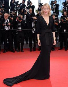 """Septième jour du Festival de Cannes. Pour les montées des marches de """"Sicario"""", puis de """"Marguerite et Julien"""", les stars se sont pressées sur la Croisette. Découvrez les plus beaux looks en images. http://www.elle.fr/Cannes/Tapis-Rouge/Cannes-2015-Cate-Blanchett-Doutzen-Kroes-Natalie-Portman-Qui-etait-la-plus-chic-sur-les-marches-de-la-Croisette"""