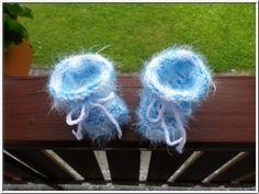 Strick- & Häkelschuhe - Traumschuhe für Baby mit Angora Optik! - ein Designerstück von Strickparadies-Original bei DaWanda