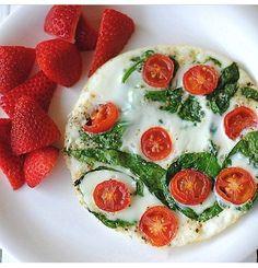 Spinach And Egg White Omelet #Food #Drink #Trusper #Tip