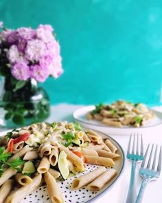 Fresh new post on the blog with this Easy Tuna Pasta. Have you ever made tuna pasta? Do you like it? This one is a favorite in our 🏡  right now. 😍 Easy Pasta Recipes, My Recipes, Easy Meals, Tuna Pasta, Pasta Salad, Yummy Food, Tasty, Cherry Tomatoes, Stuffed Peppers