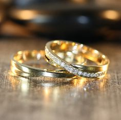 Hey, I found this really awesome Etsy listing at https://www.etsy.com/listing/172061372/his-and-hers-matching-wedding-bands-14k