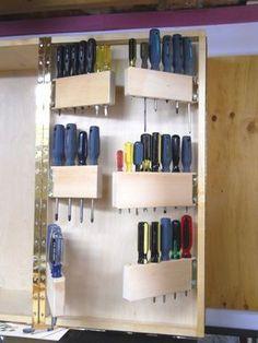 Screwdrivers Moving in my Hand Tool Cabinet / Les tournevis déménagent dans mon armoire à outils à main #WoodworkingTools