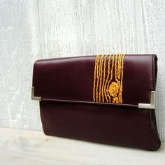 vintage/brown/clutch