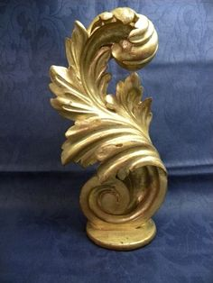Antique Gilt wood finial - Item 230