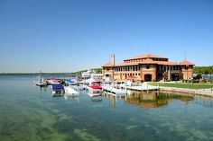 Lake Geneva WI  Just love this place! Sunday dinner with the family. Time you wont ever forget