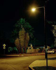 いいね!90件、コメント2件 ― David Egan(@baronegan)のInstagramアカウント: 「Cantlay street, 2020. . . . #c41 #colorfilm #portra400 #4x5film #nightphotography #filmphotography…」