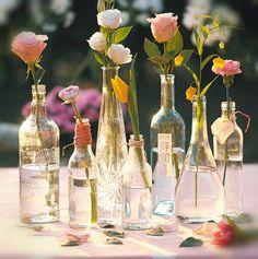 Los centros de mesa además de dar un toque de elegancia son elementos de decoración que puedes utilizar en reuniones dentro de tu hogar, conoce más... http://hogar.linio.com.mx/decoracion-2/centros-de-mesa/