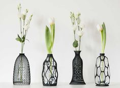 """Water bottles recycling has always been a headache problem. But how about making it become a vase? printing vase """"coat"""" can cover the plastic bottles for decoration as well as fixation. Old Bottles, Recycled Bottles, Plastic Bottles, Water Bottles, Drink Bottles, Vase Design, Deco Design, Design Miami, Design Design"""