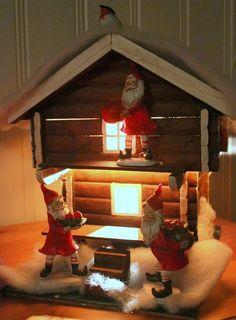 Bilderesultat for stabbur pyntet jul