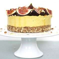 The healthiest, most outrageously delicious raw mango and fig cheesecake. It's the perfect dessert. Gluten/dairy free, no refined sugar.