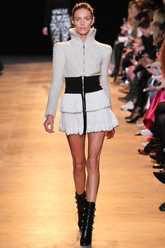 Isabel Marant Fall 2015 RTW Runway - Vogue -Paris Fashion Week