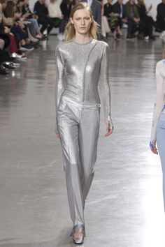 #PacoRabanne  #fashion  #Koshchenets    Paco Rabanne Fall 2017 Ready-to-Wear Collection Photos - Vogue