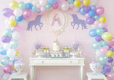 Unicorn dessert table @splendoreventdesign @tressweet