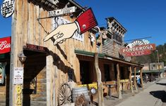 The Ponderosa Cafe in Hulett is hard to miss - you can see this quirky Wyoming restaurant from miles away! Wyoming Vacation, Tennessee Vacation, Grand Teton National, Yellowstone National Park, Wyoming State, Alaska Travel, Alaska Cruise, Viewing Wildlife, Wild West