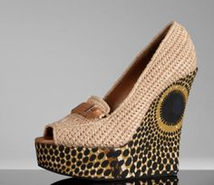 In LOVE with these Burberry wedges - http://uk.burberry.com/store/womens-accessories/shoes/wedges/prod-38184941-woven-raffia-wedge-shoes/