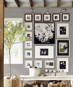 Фото из статьи: Как правильно украшать стены картинами: количество, размер, схемы