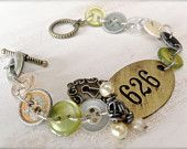 Pulsante d'epoca e targa in ottone bracciale - pulsante Vintage gioielli - artigianali - industriali - Cottage Chic - regali