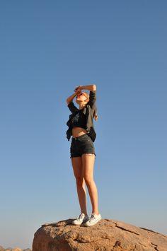 travel reisen namibia africa afrika fashion ootd outfit safari brandy melville australia devils marbles fotografie fotoshoot photography photoshoot blog blogging blogger german germany deutsch deutschland mind wanderer mind-wanderer