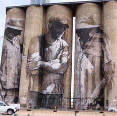 mural con 3 hombres pintados en Australia por Guido Van Helten