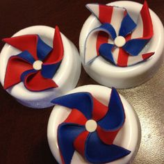 4th of July cupcake toppers - fondant