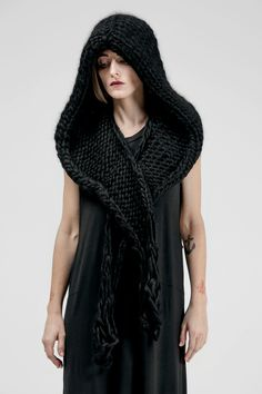 WYCH SCARF - Sisters of the Black Moon