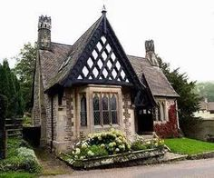 Cottage ~ open the link to see more sweet cottages