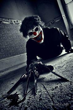 Freddy Krueger in a Clown Mask Halloween Clown, Gruseliger Clown, Creepy Clown, Creepy Stuff, Creepy Circus, Creepy Monster, Clown Mask, Scary Things, Scary Monsters