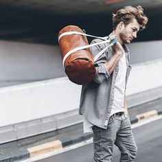 Great present for your big boy: Weekender Felix in vegetable tanned leather and cotton straps by @maravillasbags - available in #Palma at @suite13clothing or online at http://ift.tt/1XQeSgp  #madewithlove #madeinmallorca #fetama #handmade #inspiringproducts #toolbag #totebag #bag #bolso #minimal #menosesmas #ecoluxury #sustainablefashion #ethicallymad #luxmallorca #igersmallorcafashion #fashionblogger #mallorcablogs #vscogood #mallorca #mallorcastyle #mallorcatestim #mallorcastyle #lifestyle…
