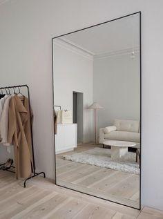 Room Design Bedroom, Room Ideas Bedroom, Home Room Design, Dream Home Design, Home Interior Design, Bedroom Decor, Big Mirror In Bedroom, Big Mirrors, Living Room Mirrors