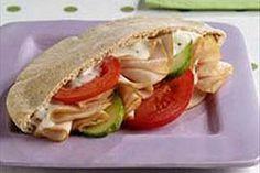 Fácil sándwich de pavo en pan pita
