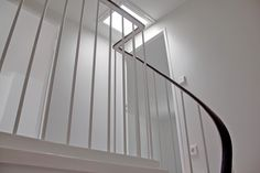 Reihenhaus von Bruno Taut – Treppenhaus // Architektin: Lena Klanten // Foto: Kai Sternberg Bruno Taut, Kai, Blinds, Stairs, Curtains, Home Decor, Germany, Architecture, Terraced House