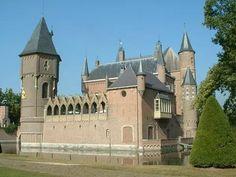 Heeswijk Castle, Brabant, The Netherlands  Castillo mediabal de Heeswijk en Holanda