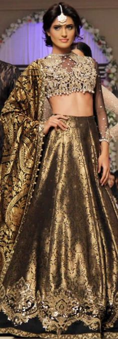 Bridal Collection at Telenor Bridal Couture Week 2014 For the Skirt. This is just hot. End of Story. Indian Wedding Wear, Indian Bridal Fashion, Indian Bridal Lehenga, Pakistani Bridal, Pakistani Outfits, Indian Outfits, Eastern Dresses, Desi Clothes, Indian Couture