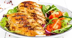 10 rețete sănătoase pentru diabetici — Alecia.ro Grilled Chicken Breast Recipes, Fried Chicken, Clean Eating, Meat Salad, Diet Recipes, Healthy Recipes, Diet Food List, Meat Chickens, Vegetable Salad
