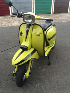 Lambretta Scooter, Vespa, Motor Scooters, Old And New, Classy, Motorcycle, Vehicles, Style, Wasp