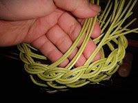 How to weave braided rim for a basket