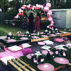 DIY outdoor pallet tables ideas DIY outdoor pallet tables ideas The post DIY outdoor pallet tables ideas appeared first on Pallet Diy. Birthday Dinners, Birthday Parties, 16th Birthday, 21st Party, Birthday Party Ideas For Adults, Decor Eventos, Deco Baby Shower, Bridal Shower, Baby Showers