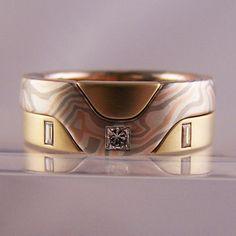 mokume & yellow gold 2 ring set #jewellery #jewellerydesign #jewelleryonline #jewelleryset #jewelleryshops #bespoke #asschercut #diamond #diamondrings #style #sapphire #emerald #emeraldring #sapphirering #wedding #weddingrings