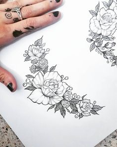 Trendy Ideas Tattoo Designs Drawings Back Feather Tattoos, Rose Tattoos, Flower Tattoos, Body Art Tattoos, New Tattoos, Sleeve Tattoos, Tattoo Roses, Tattoo Floral, Flash Tattoos