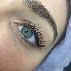 Simple classic stunning - these beautiful eyes lashes by Leonie at our Newtown salon #lashstyling #ladylashau #lashesfordays #lashesoftheday #lashesonfleek #sydneyeyelashextensions #sydneylashes #classiceyelashextensions #naturallashes #naturalbeauty #beautifuleyes