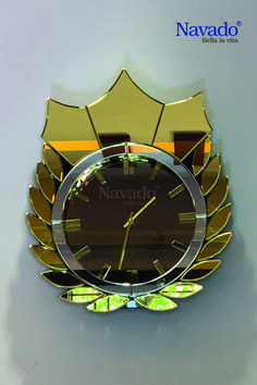 Led Mirror, Mirror Art, Living Room Mirrors, Living Room Decor, Indian Room Decor, Glass Vanity, Beautiful Mirrors, Glass Texture, Glass Collection